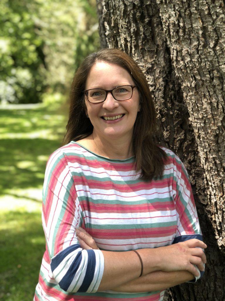 Dr Julie Urquhart